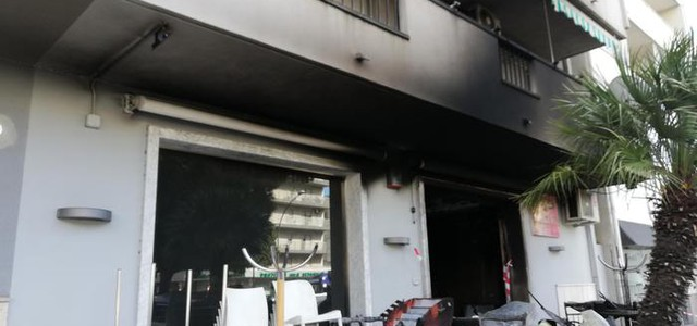 Bar in fiamme, è la seconda volta in un mese